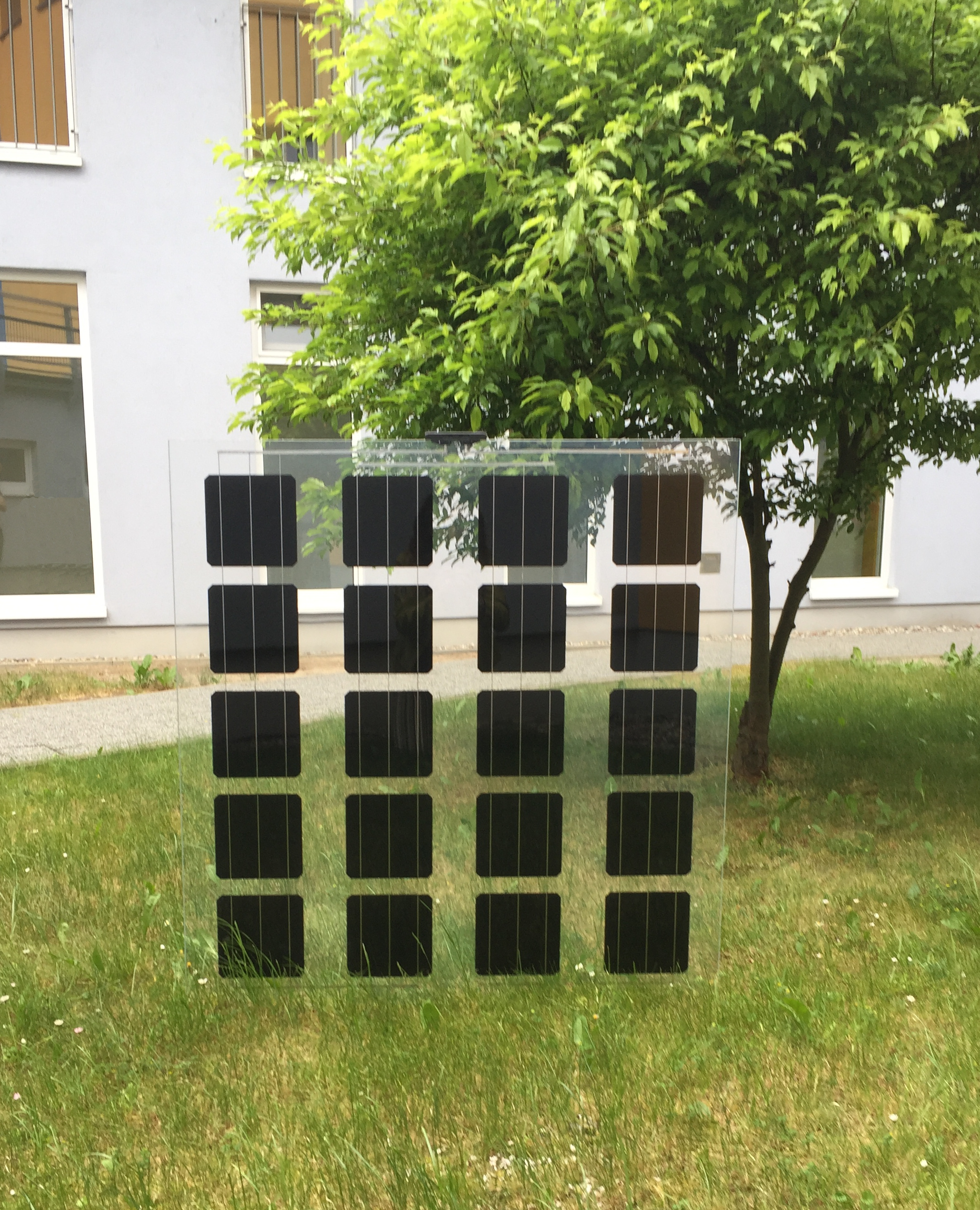 produktgarantie f r he module bis 25 jahre aleo solar pr sentiert neue glas glas module auf. Black Bedroom Furniture Sets. Home Design Ideas